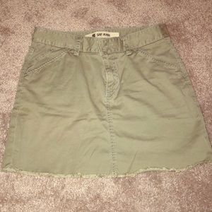 Gap khaki green skirt Sz 4
